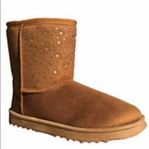 Shoes - Tan suede snowball cold weather boot -New in box